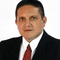 carlos mario gomez veithia, autor del poema'A VECES PENSAR''