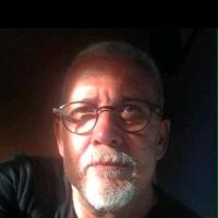 albertosalinger, autor del poema'Sueño de Besos''