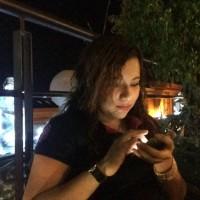 Tania J Rey, autor del poema'Es tiempo de rasgar''