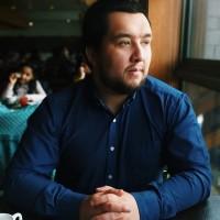 Josealvarado, autor del poema'Cortinas al viento''