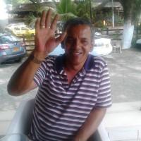 jAIME rEYES gALVEZ, autor del poema'SEGUIRÉ TRAS DE TI''