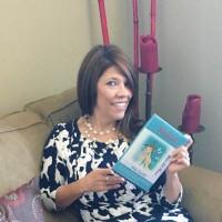 Adela Castillo, autor del poema'Brinda conmigo''