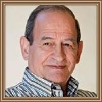 Roberto Santamaría Martín, autor del poema'Dedicado a los amigos y poetas de U.p. -Soneto alejandrino-''