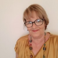 Antonia Mancheňo, autor del poema'EL SILENCIOSO ECO DE LAS PALABRAS ESCRITAS''