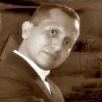 Alexmonram, autor del poema'Código de Barras''