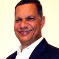 JOSE FLANDEZ, autor del poema'Mirando el cielo pardo…''