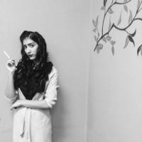 Chica anonima, autor del poema'Eres el arte ''